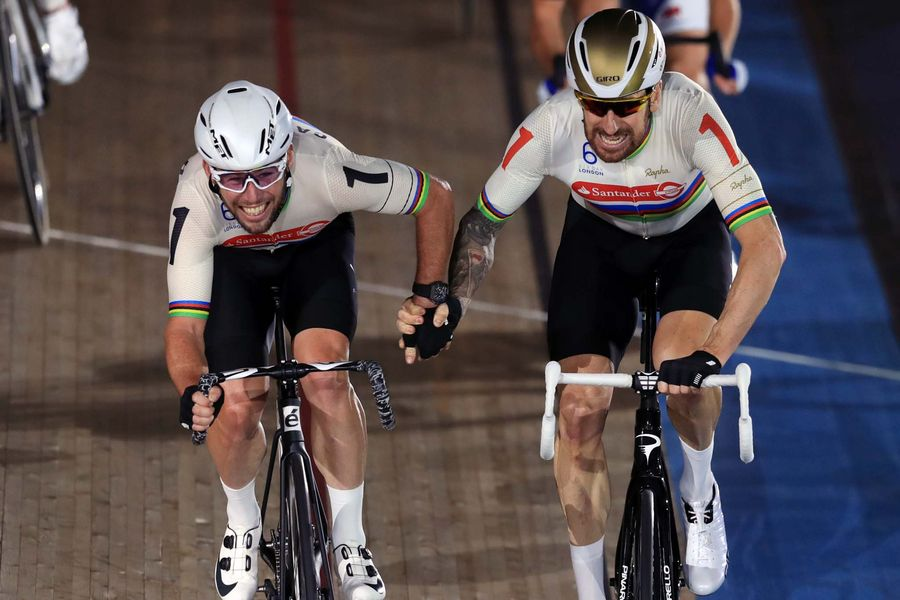 Great Britain's Mark Cavendish and Sir Bradley Wiggins compete in the Men's Final Chase during day six of the Six Day Event at Lee Valley Velopark, London.